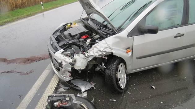 Čelní srážka dvou osobních aut v úterý v pět hodin blokovala cestu mezi Velkým Týncem a Krčmaní. K nehodě na silnici 55 došlo okolo třinácté hodiny.