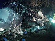 Dva dvacetiletí muži zemřeli v sobotu v jednu hodinu ráno při nehodě u Velké Bystřice na Olomoucku