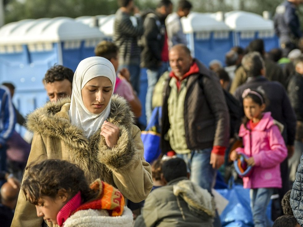 Snímky uprchlíků v Maďarsku a Rakousku