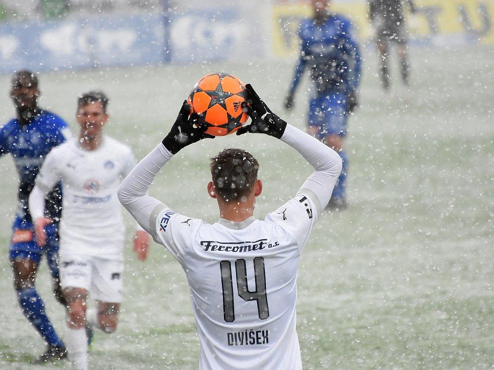 Olomouc remizovala doma se Slováckem v dohrávce 23. kola 0:0.Josef Divíšek