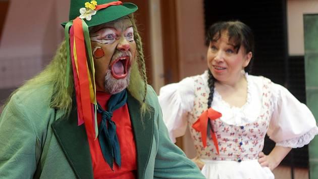Hudební pohádka O líných strašidlech. Inscenaci nastudovali členové sboru opery a operety Moravského divadla pod vedením režiséra Iva Melkuse.