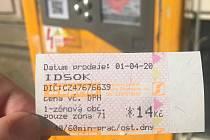 Jednotlivé jízdné v tramvajích a autobusech MHD v Olomouci od 1. dubna zdražilo ze 14 na 18 korun. Prodejní automaty však ještě ve středu dopoledne nabízely kupon za 14 korun.