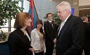 Prezident Zeman při představení úspěšných studentů Slovanského gymnázia v Olomouci