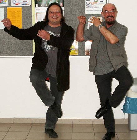Dušan Neumann (na snímku vlevo) sikonou rockové hudby Ianem Andersonem, který včervnu vystoupí skapelou Jethro Tull vOlomouci.