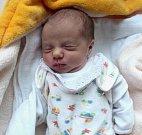 Kristýna Domesová, Uničov, narozena 10. dubna ve Šternberku, míra 47 cm, váha 2380 g