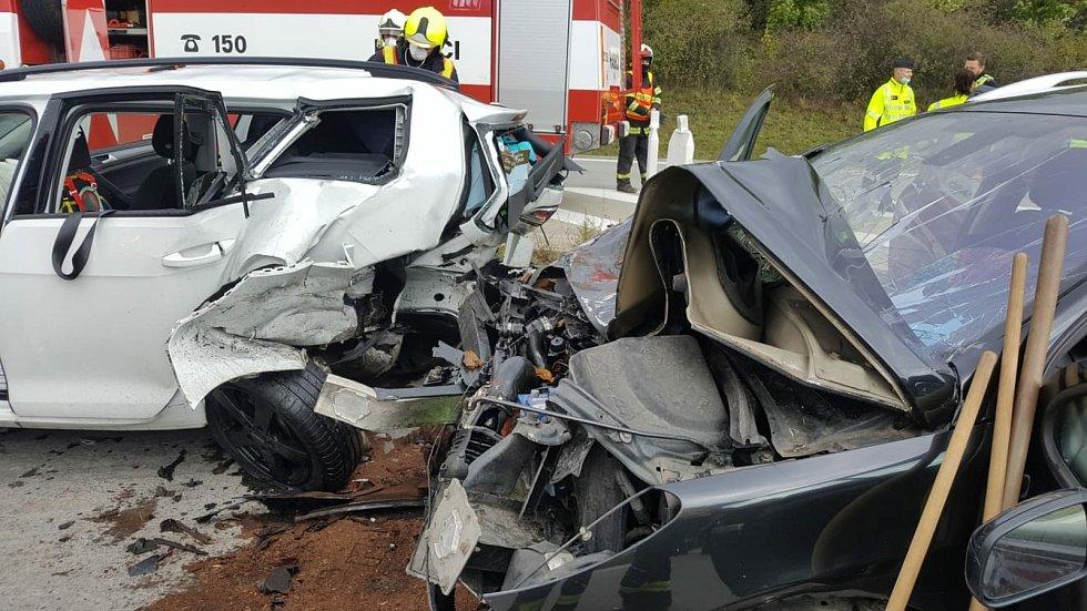 D1 mezi Lipníkem a Hranicemi. Hromadná nehoda 4. listopadu 2020 - sedm zraněných