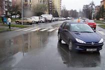 Místo srážky na přechodu v Kmochově ulici