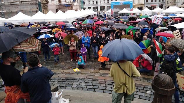 Demonstrace za nezávislost justice v Olomouci, 28.5.2019. Horní náměstí