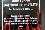Výstava u příležitosti 50. výročí sebeupálení Jana Palacha v knihovně UPOL.