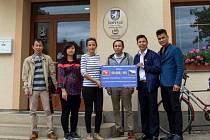 Vietnamci pomohli při povodních finančně i materiálně