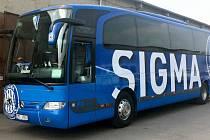 SK Sigma Olomouc má nově polepený klubový autobus