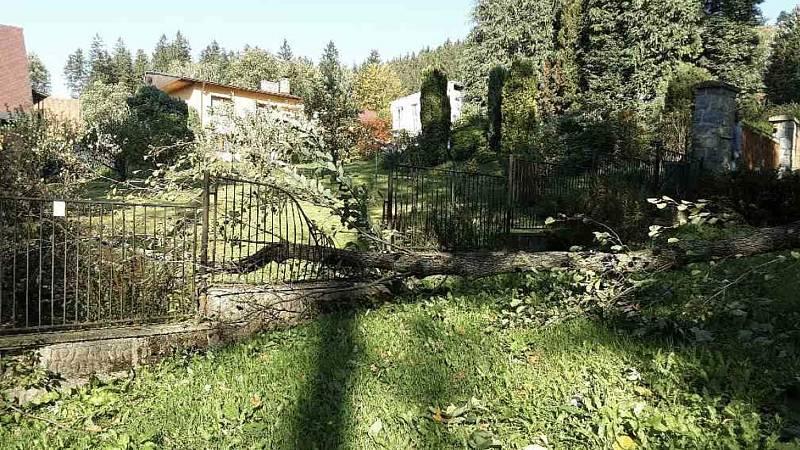 Následky silného větru v Olomouckém kraji v úterý 5. října 2021.