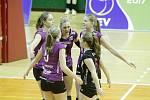 Olomoucké volejbalistky porazily v evropském poháru CEV nizozemské Almelo a postoupily do další fáze soutěže.