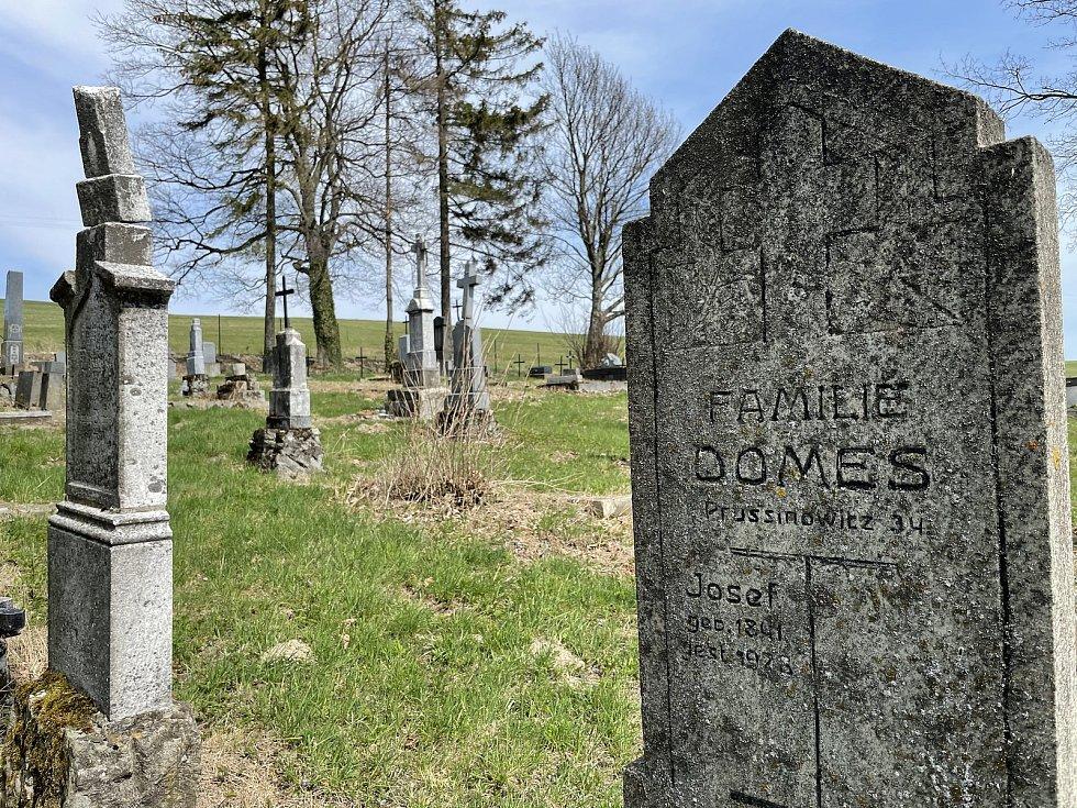 Obec Kozlov, bývalý německý hřbitov