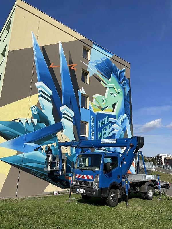 """V rámci letošního Street art festivalu v Olomouci vytvořili špičkoví umělci nové velkoplošné malby. Na univerzitních kolejích Gen. Svobody se """"vyřádil"""" Vidam, 24. září 2021,"""