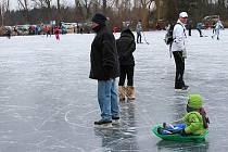 Bruslení na zamrzlých Poděbradech