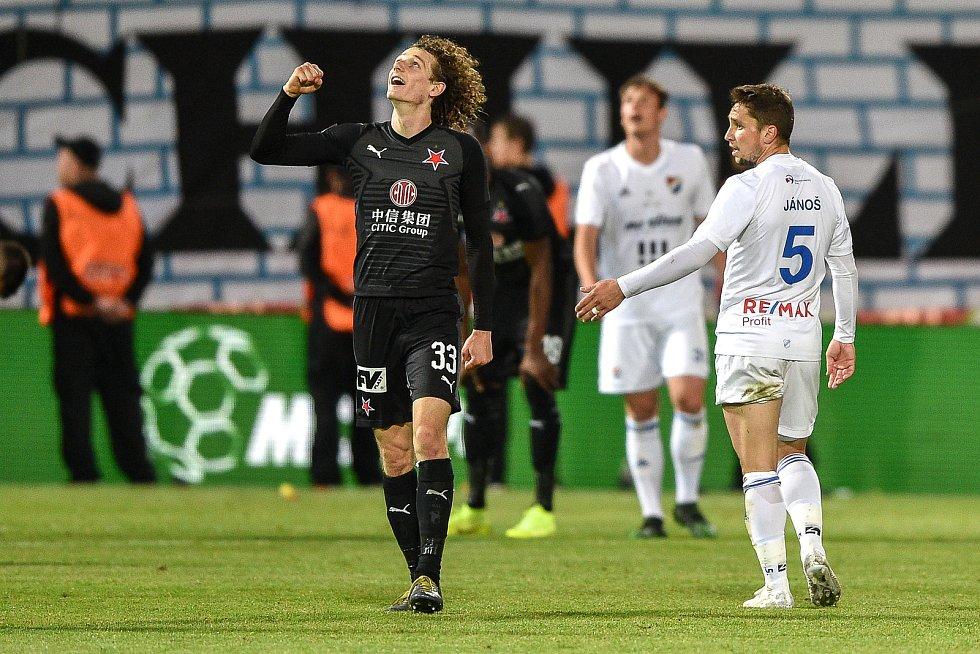 Finále fotbalového poháru MOL Cupu: FC Baník Ostrava - SK Slavia Praha, 22. května 2019 v Olomouci. Alex Král oslavuje výhru nad Baníkem.