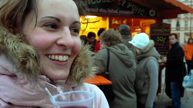 Vánoční punč v centru Olomouce. Ilustrační foto