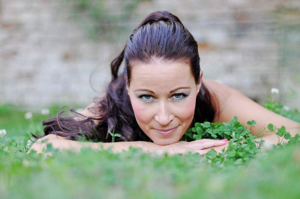 č. 4 Jana Bendová, 35 let, asistentka, fakturantka, Samotišky