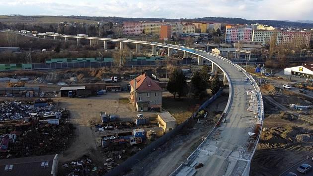 Přerov - stavba estakády a mimoúrovňového křížení v Předmostí, březen 2021ezdů z D46, březen 2021