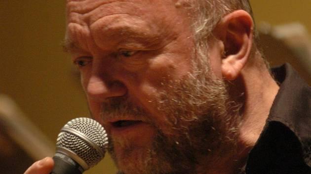 Hlavní hvězdou olomouckého festivalu je zpěvák Peter Lipa.