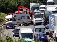 Nehoda karavanu na obchvatu Olomouce