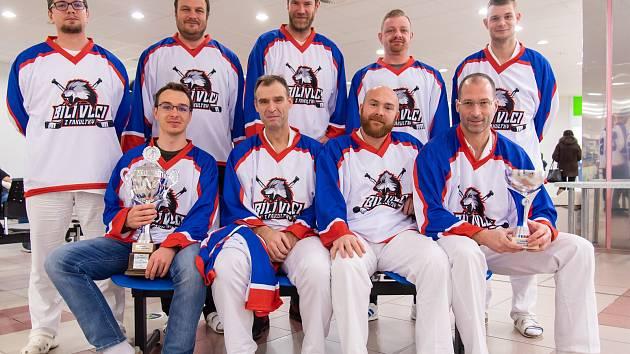 Doktoři z Fakultní nemocnice Olomouc nastoupí do dalšího zápasu v dresech a jako Bílí vlci z fakultky