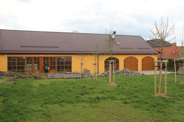 Zahrada komunitního centra vÚstíně