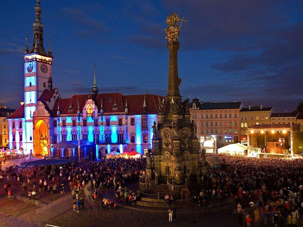 Koncert na Horním náměstí v Olomouci. Ilustrační foto