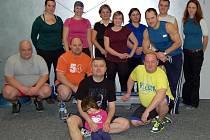 Účastníci soutěže Hubneme s Deníkem v olomouckém studiu Flex Fitness