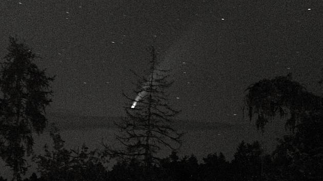 Kometa vyfocená ze Svatého Kopečku u Olomouce