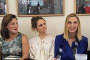 Herečky Lenka Krobotová, Pavlína Štorková a Barbora Poláková. Tiskovka k natáčení filmu Kvarteto v olomouckém Arcidiecézním muzeu