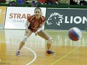 Olomoucké volejbalistky (v oranžovém) podlehly Prostějovu 0:3 Julie Kovářová