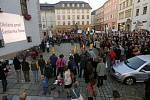 Veřejný protest proti stavbě Šantovka Tower v Olomouci v říjnu 2013