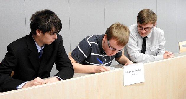 Studenti ze Slovenského gymnázia vOlomouci uspěli vDějepisné soutěži