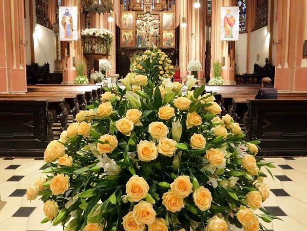 Chrám sv. Mořice v Olomouci. Květinová výzdoba v rámci podzimní Flory