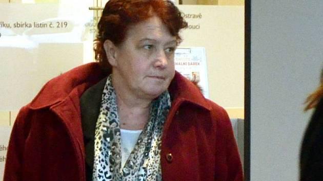 Zdravotní sestra Šárka Groerová u krajského soudu v Olomouci. Ilustrační foto