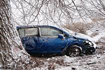 Ranní nehody 15. února na kluzkých silnicích Olomoucka