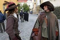 Natáčení ruského televizního seriálu Tři mušketýři v ulicích Olomouce