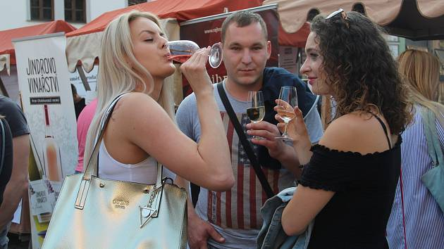 Olomoucké vinné slavnosti a Moravský den na Horním náměstí v Olomouci