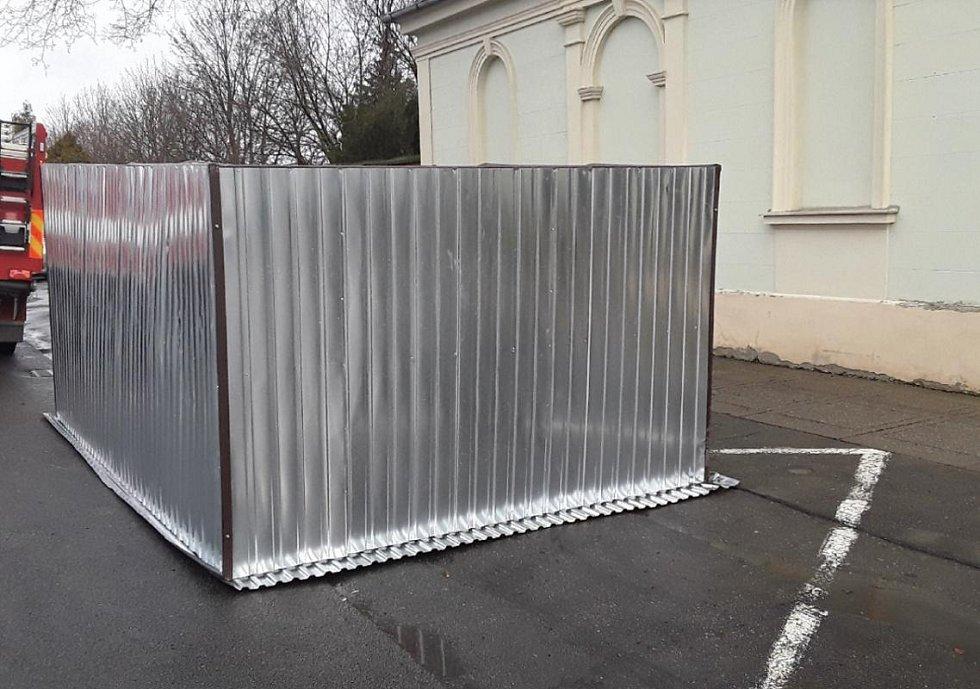 Posunutá garáž v Prostějově. Následky silného větru v Olomouckém kraji, 4.2. 2020
