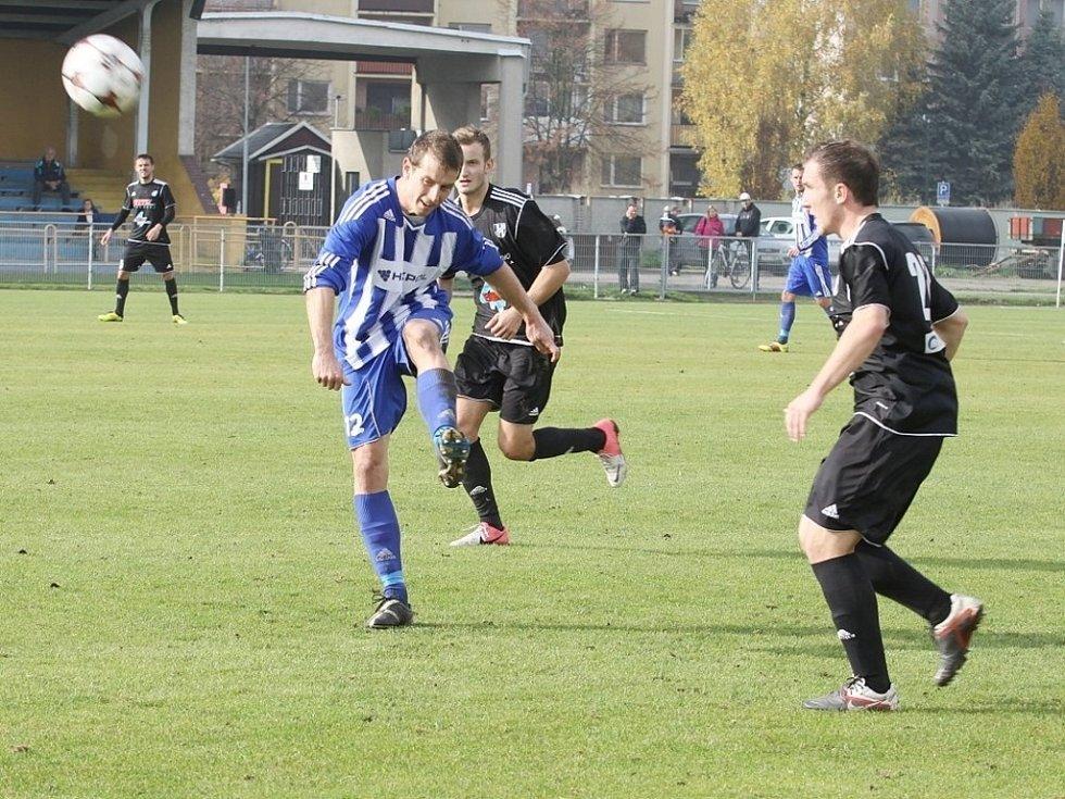 SK Uničov porazil v utkání Moravskoslezské fotbalové ligy 1. HFK Olomouc 2:1 (1:1). Dušan Žmolík