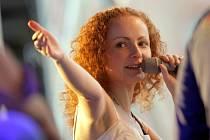 Saša Langošová, zpěvačka kapely November2nd