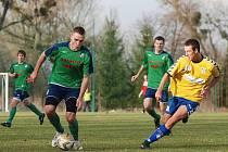 Litovel (ve žlutém) proti rezervě HFK Olomouc