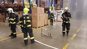 Cvičení profesionálních hasičů v Logistickém centru společnosti Kauflandautor