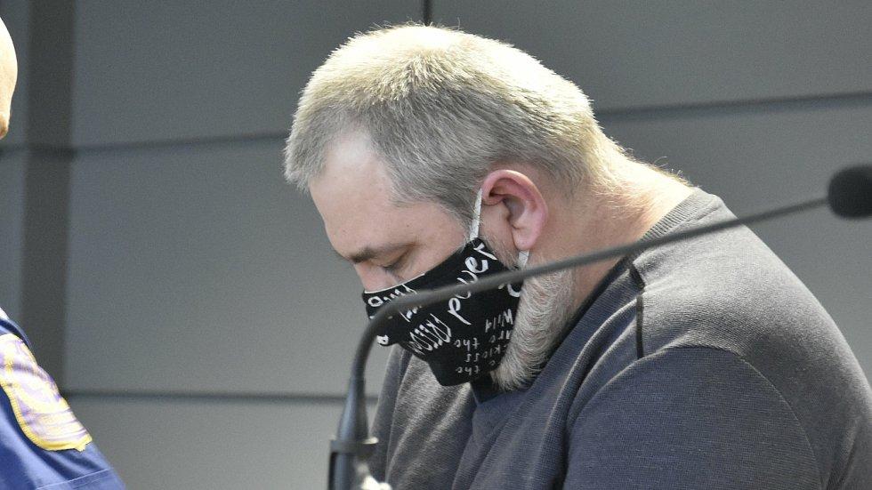 Rostislav B. obžalovaný z brutální vraždy cyklistky ve Chválkovicích u krajského soudu v Olomouci, 10. 2. 2021