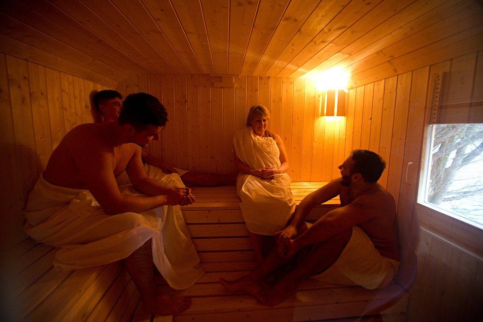 Sauna v maringotce na přírodním koupališti Poděbrady u Olomouce