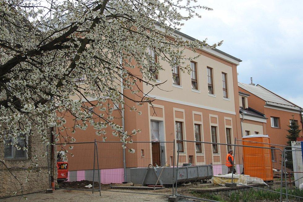 Opravená mateřská škola v Ústíně je chloubou obce.