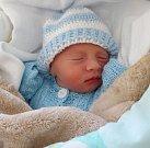 Mikuláš Knajbl, Hluchov, narozen 15. dubna, míra 48 cm, váha 2390 g