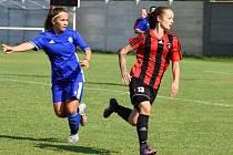 Fotbalistky Olomouce (v modrém) zvítězily v Hodoníně 5:0